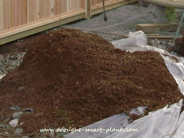 Garden Mulch can be organic or mineral...