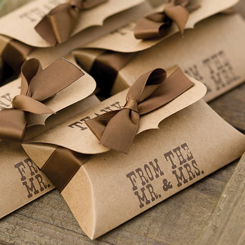 Rustic pillow boxes for your wedding favors